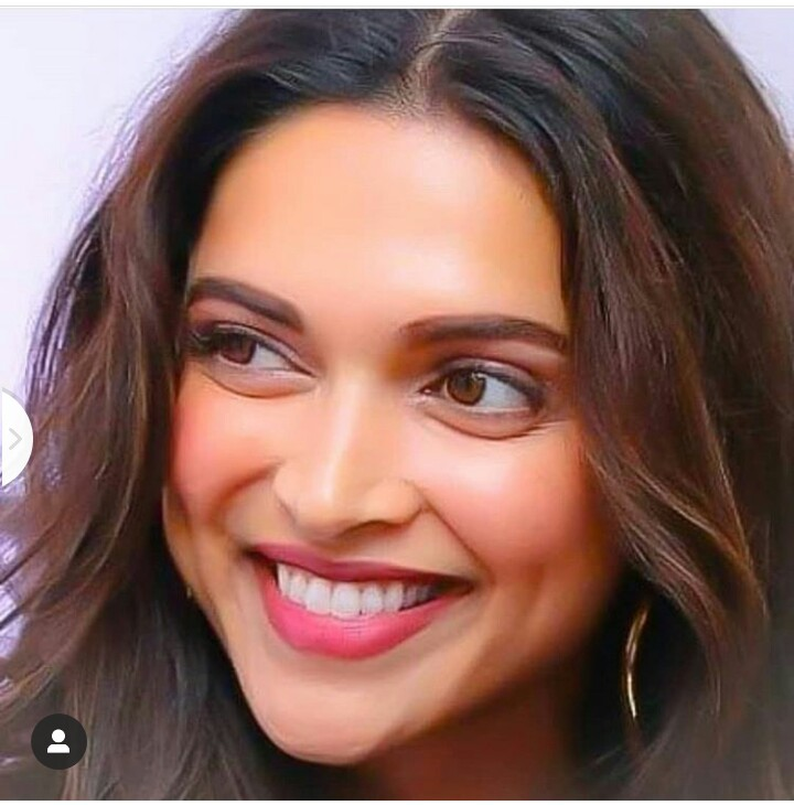 Deepika Padukone Biography in Marathi