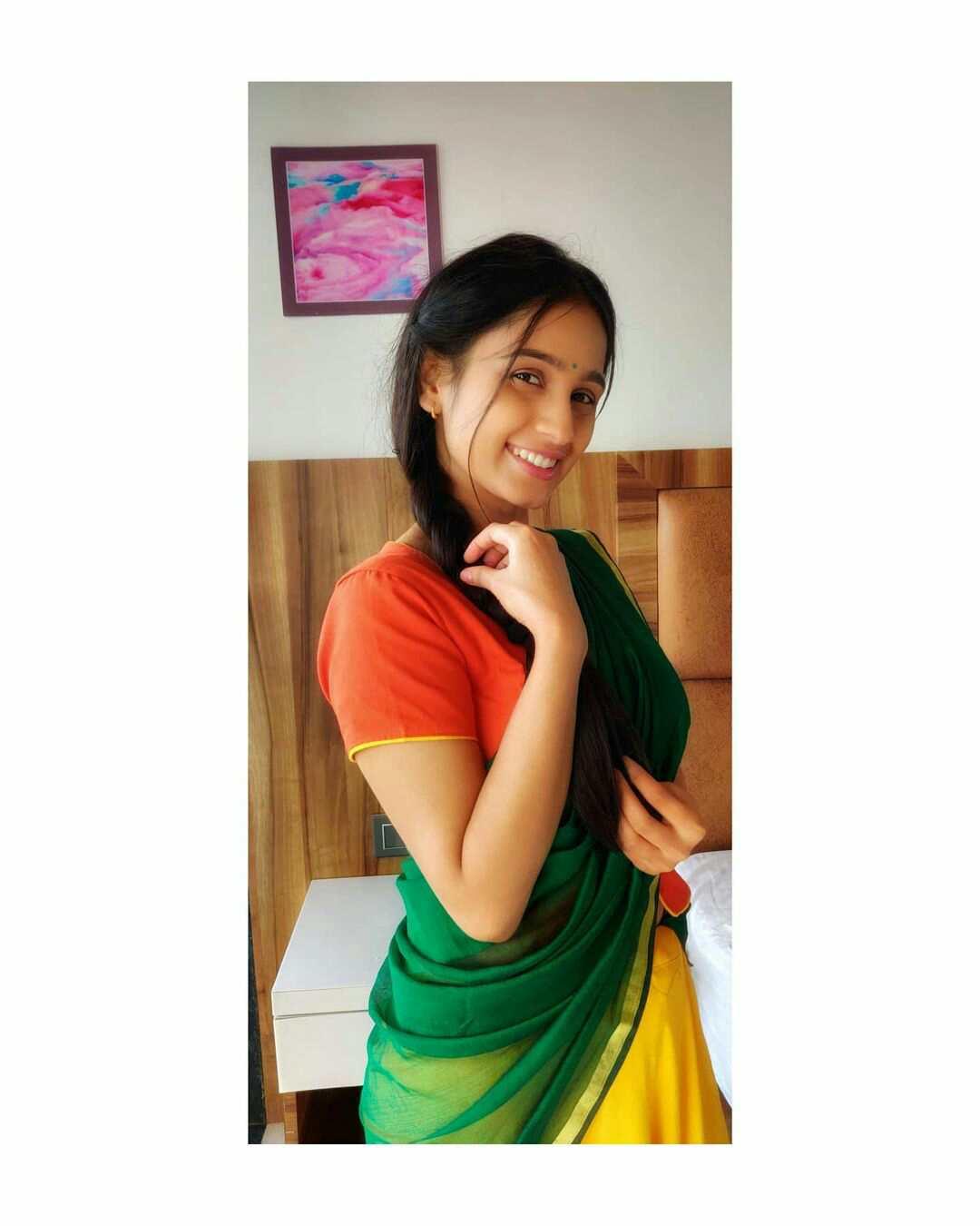 Divya Pugaonkar Biography