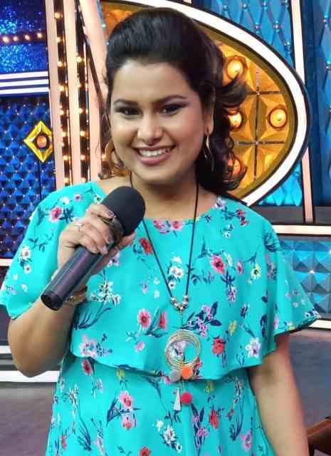 Sunehaa Thakur Singer Maharashtrachi Hasya Jatra