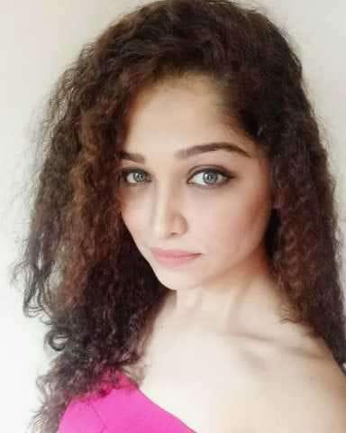 Amruta Phadke Biography Marathi Actress Wiki Age Birthday Husband Serial